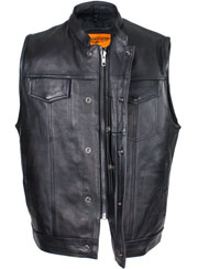 This Mens size 52 concealed carry vest is made of Naked Cowhide Leather with a Gun Pocket and zip up front.