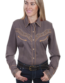 This Scully Women's Heather Brown Studded Retro Western Shirt is embroidered on the front and back yokes with antique brass studs and pearl snaps including smiley pockets and a piped vintage look.